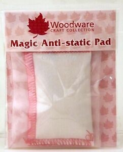 Aplikator z pudrem Woodware Magic Anti-static Pad WW2352 (poduszeczka)